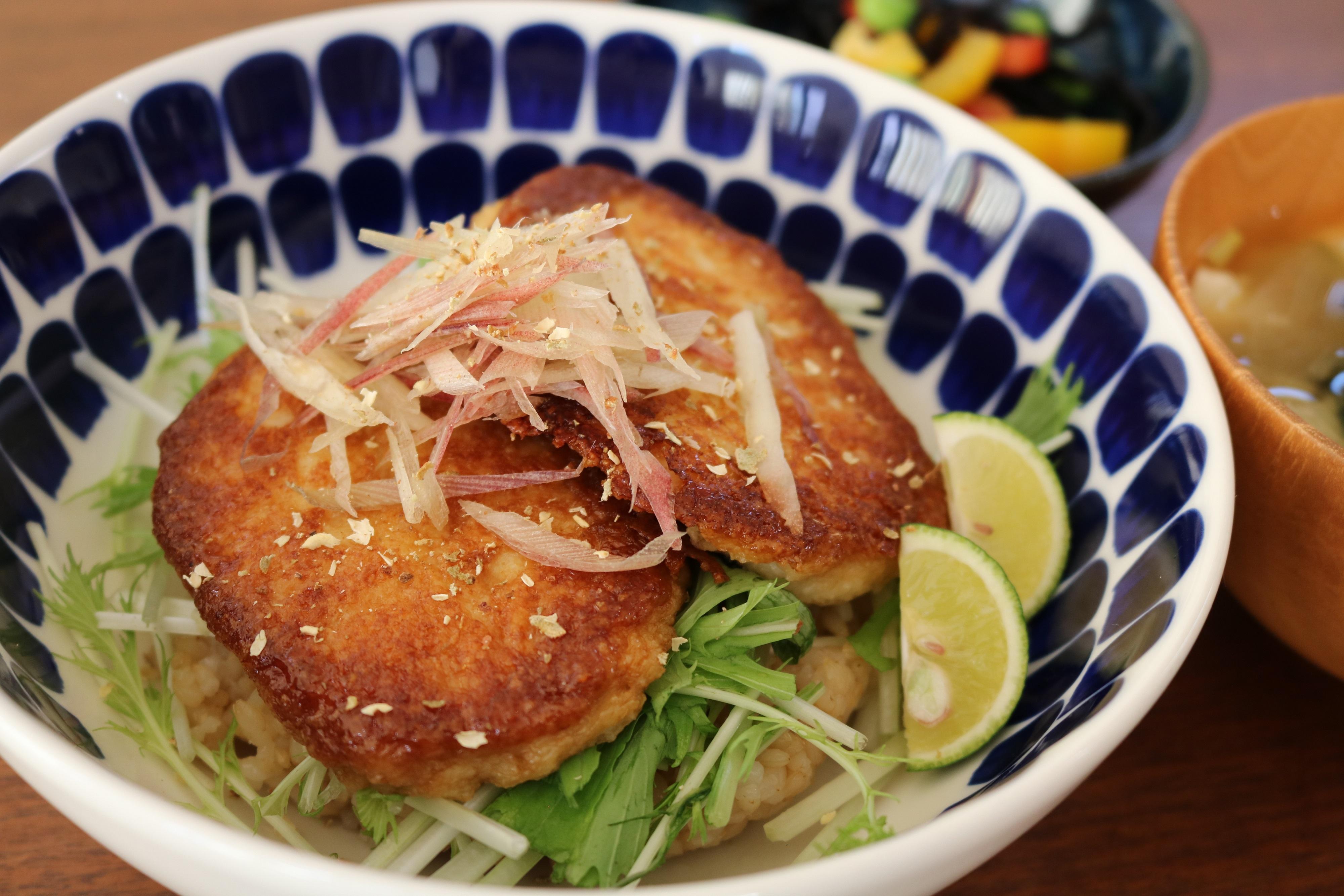 多古産大和芋のかば焼き丼