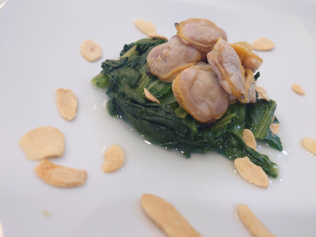小松菜とホンビノス貝のレンジ蒸し